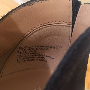 Kenneth Cole Reaction Shoes - ❣️ Kenneth Cole Reaction Suede Ankle Bootie Size
